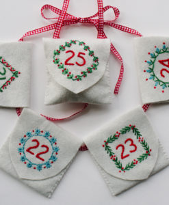 advent calendar five pockets